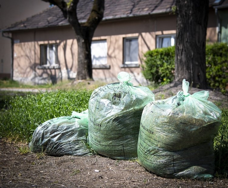 Kedvezõbb zöldhulladék gyûjtési rendszer FRISSÍTVE!