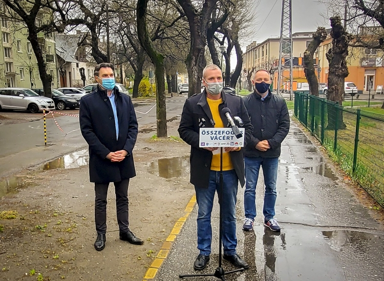 Megkezdõdött az alsóvárosi parkolókapacitás bõvítése